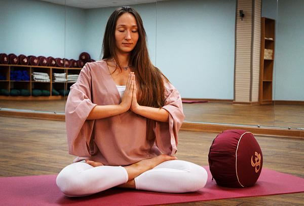 Практики по йоге с антоном ивановым
